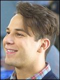 Skylar Astin