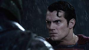 Produtor de Batman vs Superman - A Origem da Justiça muda de cargo no Universo Cinematográfico DC