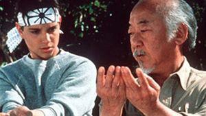 Cobra Kai: Série baseada em Karate Kid terá homenagens e cenas inéditas com o Senhor Miyagi
