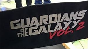 Já no set, James Gunn divulga a logo oficial de Guardiões da Galáxia 2
