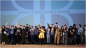 A Cidade Onde Envelheço vence o Festival de Brasília