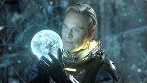 Michael Fassbender explica as diferenças entre os dois robôs que interpreta em Alien: Covenant (Entrevista exclusiva)