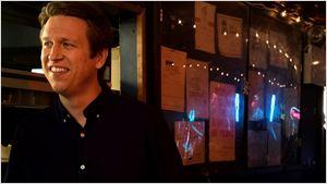 Crashing: Comédia de Pete Holmes é renovada para a segunda temporada pela HBO