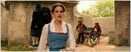 Emma Watson canta e passeia pela aldeia em cena inédita de A Bela e a Fera