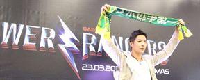 Comic Con Experience 2016: Ator de Power Rangers homenageia Chapecoense durante entrevista