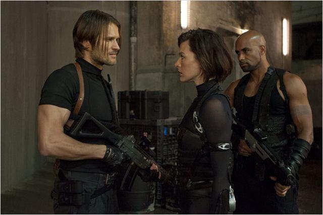Resident Evil 5: Retribuição : Foto Boris Kodjoe, Johann Urb, Milla Jovovich