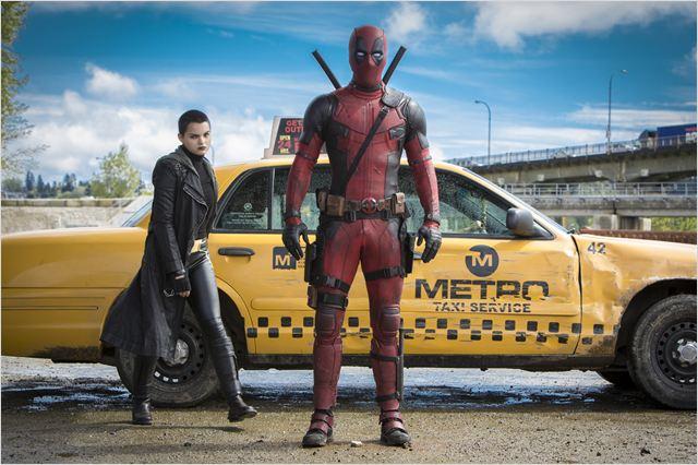 Deadpool : Foto Brianna Hildebrand, Ryan Reynolds