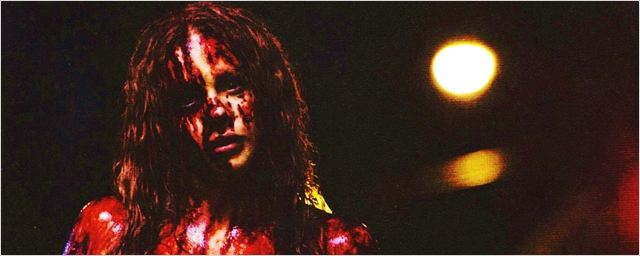 Carrie - A Estranha: Chloe Moretz e Julianne Moore surgem no novo trailer legendado
