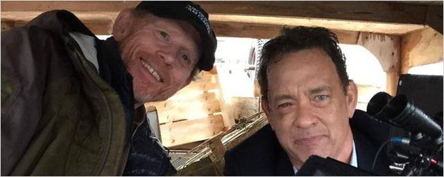 Ron Howard posa com Tom Hanks na primeira imagem de Inferno