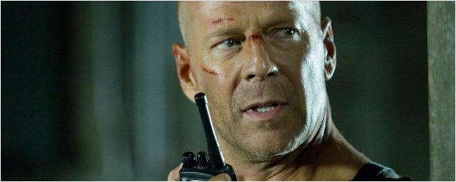 Duro de Matar 6: Bruce Willis se diz contente com a ideia e aconselha ator que fará sua versão jovem