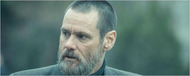 Jim Carrey aparece barbudo e sombrio nas primeiras imagens do suspense True Crimes