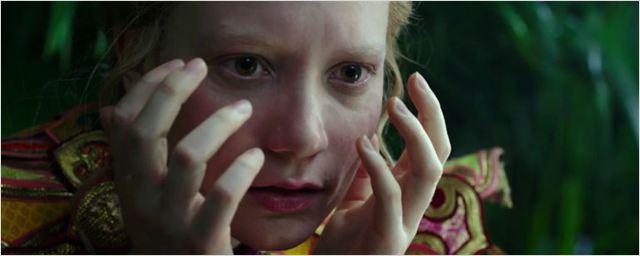 Alice Através do Espelho ganha novo comercial de TV