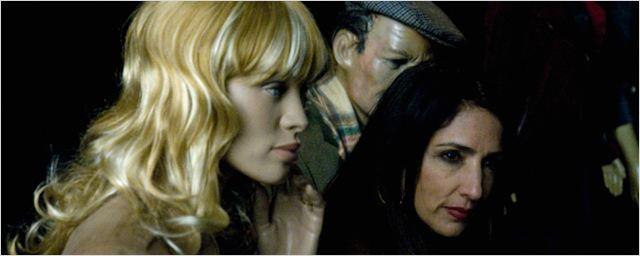 Exclusivo: Burgueses desesperados no trailer de Uma Noite em Sampa, nova comédia de Ugo Giorgetti