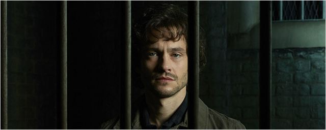 Cinquenta Tons Mais Escuros contrata Hugh Dancy