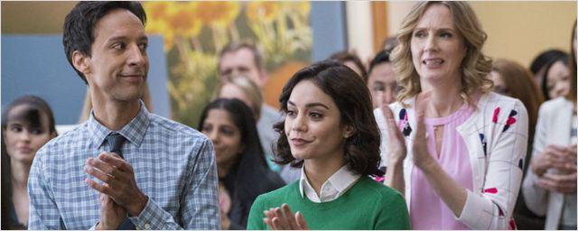 NBC encomenda temporada completa de Powerless, comédia da DC Comics estrelada por Vanessa Hudgens