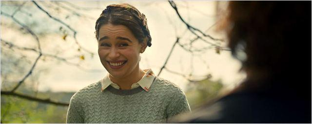 Emilia Clarke mostra seu lado fofo em novos clipes do romance Como Eu Era Antes de Você