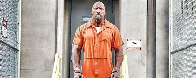 Dwayne Johnson mostra em divertido vídeo como será cena da prisão em Velozes & Furiosos 8