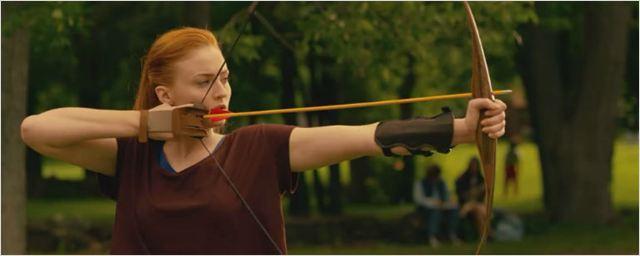 Jean Grey encarna seu lado Katniss e arrasa no arco e flecha em cena deletada de X-Men: Apocalipse