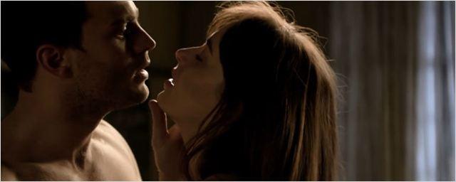 Novo comercial de Cinquenta Tons Mais Escuros traz romance e perigo para Anastasia e Christian Grey