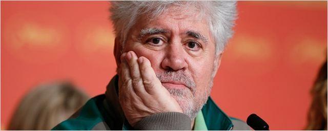 """Almodóvar minimiza controvérsia envolvendo cena de estupro em Último Tango em Paris: """"Sem importância"""""""