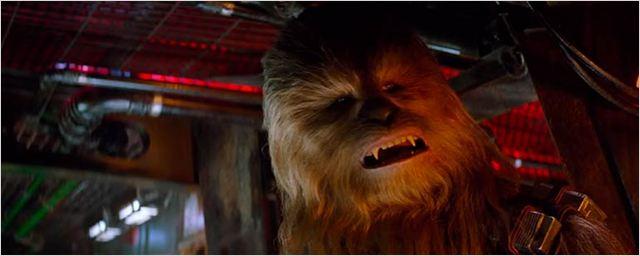 Veja Chewbacca arrancando um braço em cena deletada de Star Wars - O Despertar da Força