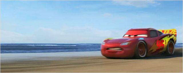 Relâmpago McQueen está veloz e furioso em novo trailer de Carros 3