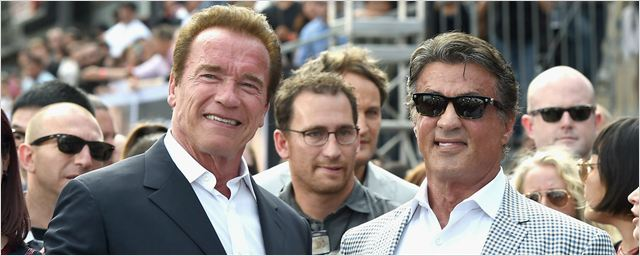 Arnold Schwarzenegger e Sylvester Stallone dançam em vídeo de festa de aniversário