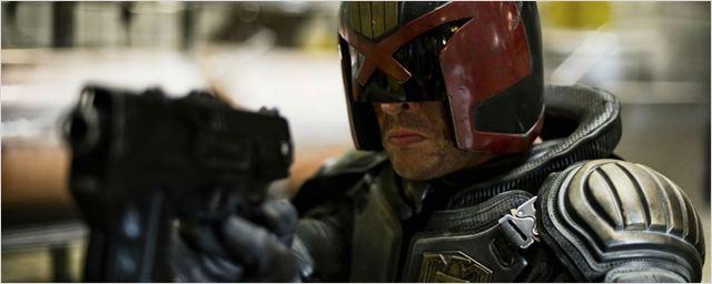 Karl Urban negocia para voltar a viver o Juiz Dredd em série de TV