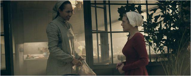 The Handmaid's Tale promove Amanda Brugel para o elenco regular