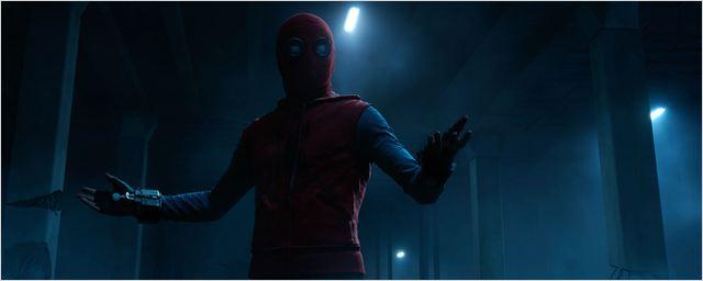 Vídeo de Homem Aranha: De Volta ao Lar mostra efeitos visuais por trás do traje caseiro do herói