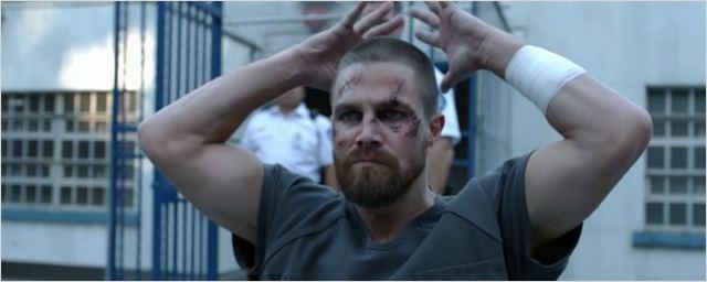 Comic-Con 2018: Trailer da 7ª temporada de Arrow traz Oliver Queen sofrendo na cadeia