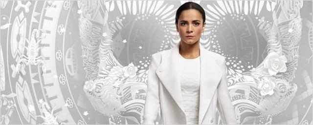 Queen of the South: Série estrelada por Alice Braga é renovada para quarta temporada