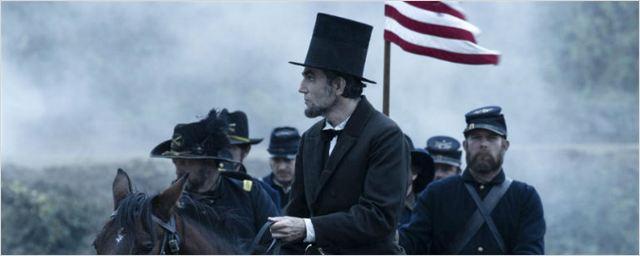 Filmes na TV: Hoje tem Invasão do Mundo: Batalha de Los Angeles e Lincoln